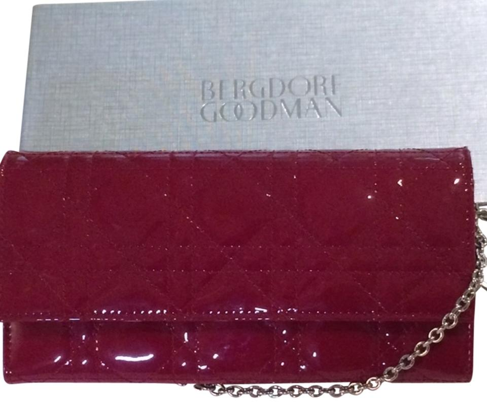 5ef9cffcc158 Dior Authentic CHRISTIAN DIOR Patent Cannage Rendez-vous Chain Wallet in  Red Image 0 ...