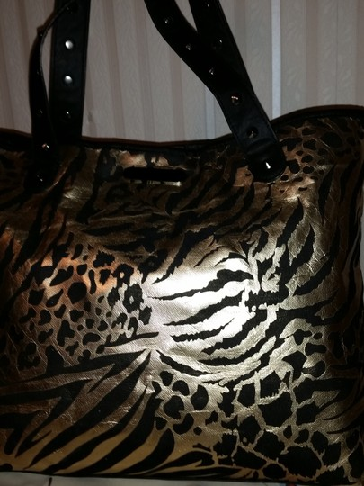 Betsey Johnson Tote in Black and gold