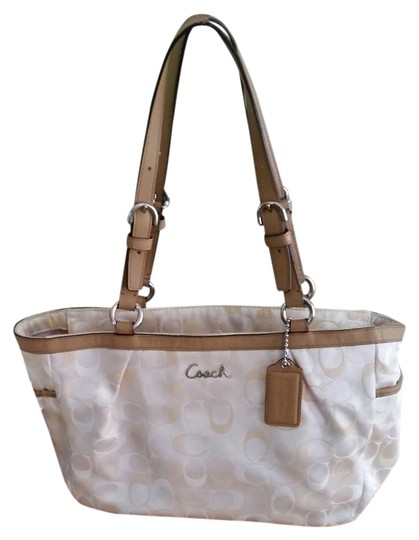 Preload https://item1.tradesy.com/images/coach-excellent-pre-owned-gallery-3-color-signature-tote-f17676-multicolor-sateen-leather-shoulder-b-4254610-0-0.jpg?width=440&height=440