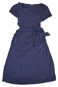A Pea In The Pod Goregous fitted Navy blue mom-to-be dress