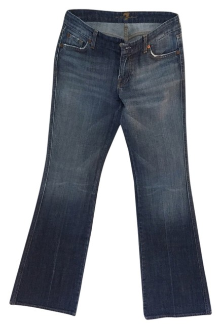 Preload https://item4.tradesy.com/images/7-for-all-mankind-light-wash-flare-leg-jeans-size-30-6-m-4257193-0-0.jpg?width=400&height=650