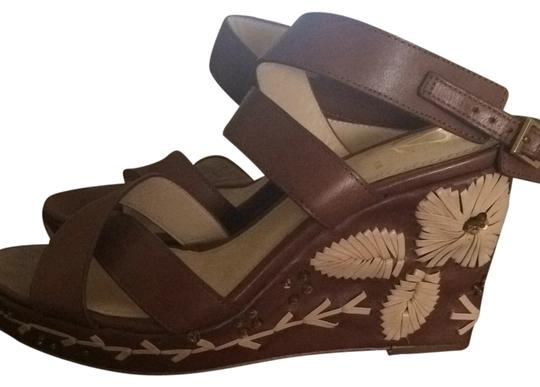 Preload https://item2.tradesy.com/images/vince-camuto-brown-wedges-4259206-0-0.jpg?width=440&height=440
