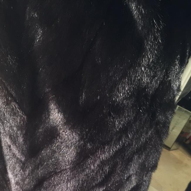 Black diamond mink, unque design, very long, worn only 4 times Coat