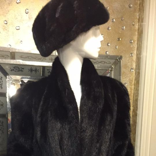 SAKOWITZ Beautiful Mink Hat Where Only One Time Very Exclusive