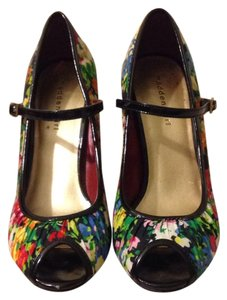 Madden Girl Floral Pumps