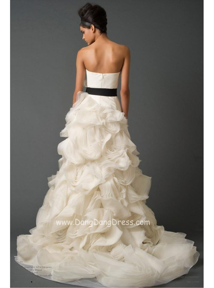 Vera wang ghillian wedding dress wedding dresses on sale for Vera wang wedding dresses sale