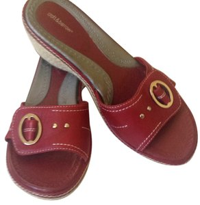 Croft & Barrow Maroon Wedges