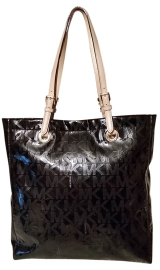 Preload https://img-static.tradesy.com/item/4273021/michael-kors-shoulder-bags-black-patent-leather-tote-0-0-540-540.jpg