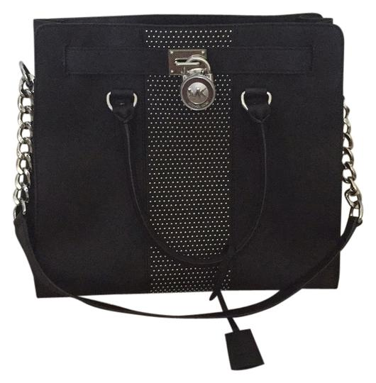 Preload https://img-static.tradesy.com/item/4273828/michael-kors-studded-black-pantent-leather-tote-0-0-540-540.jpg