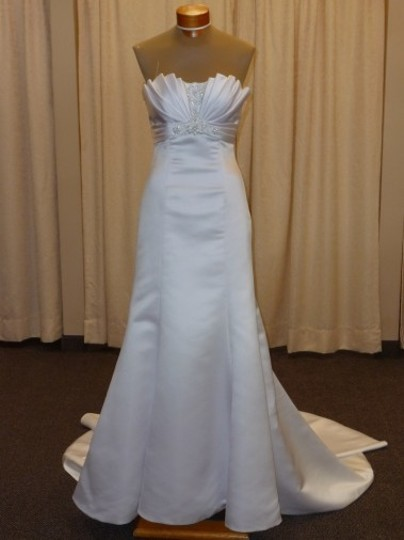Maggie Sottero Ivory Satin Halle Modern Wedding Dress Size 6 (S)