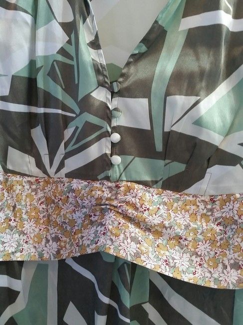 BCBGMAXAZRIA Green Brown Silky Empire Waist Tie Back Pattern Abstract Top Multi