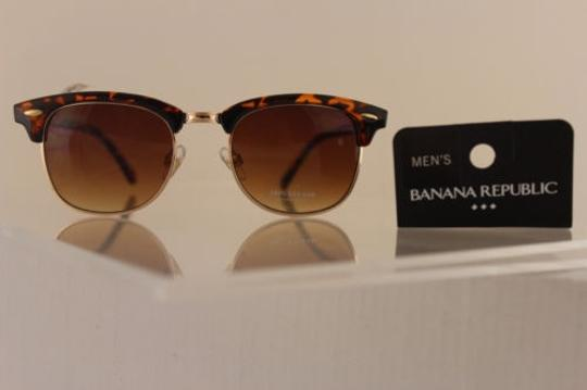 Preload https://item3.tradesy.com/images/banana-republic-men-women-fashion-sunglass-gold-brown-leopard-frame-uvauvb-lens-4283497-0-0.jpg?width=440&height=440