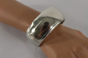 Women Bracelet Cuff Bangle Metal Shinny Metallic Silver Fashion Jewelry