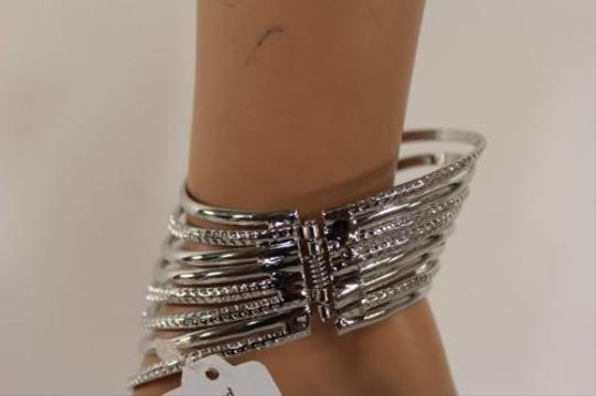 Other Women Shinny Silver Metal Angel Wing Coutout Cuff Fashion Bracelet Geometric