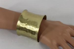Other Women Metallic Antique Gold Bracelet Short Bangle Dimples Metal Cuff Fashion