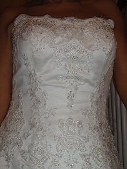 Casablanca Ivory Lace 1918 Traditional Wedding Dress Size Petite 6 (S)