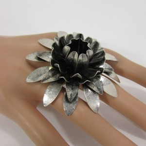 Other Women Fashion Dark Silver Sun Lily Flower Metal Ring