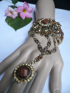 Women Gold Cuff Hand Chain Flower Bracelet Slave Ring Rhinestones Brown