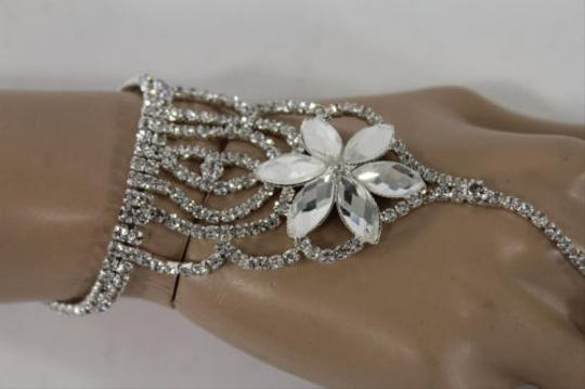 Other Women Silver Metal Hand Chain Fashion Bracelet Slave Ring Big Flower Wrist