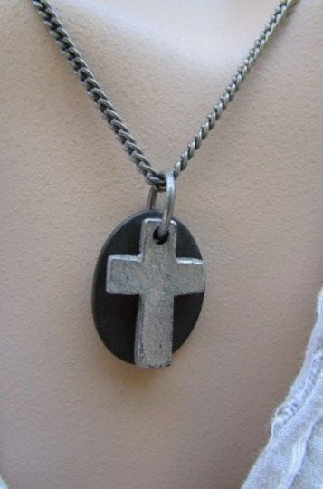 Preload https://item2.tradesy.com/images/men-necklace-fashion-18-rust-silver-chain-cross-pendant-back-oval-plate-4284841-0-0.jpg?width=440&height=440