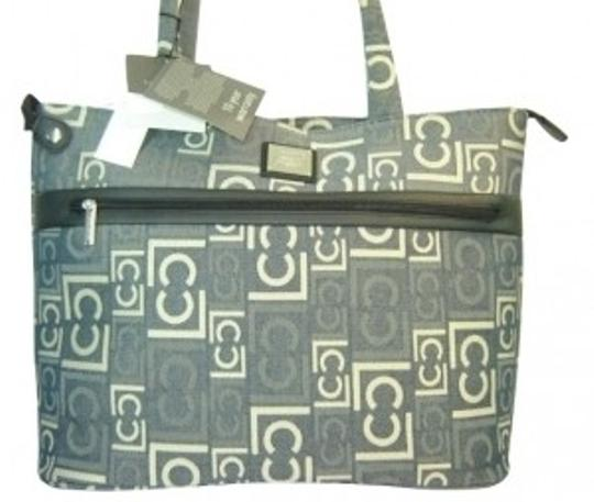 Preload https://img-static.tradesy.com/item/4287/liz-claiborne-carry-all-tote-from-the-paige-collection-jacquard-fabric-in-a-cottonpoly-blend-laptop-0-0-540-540.jpg