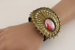 Women Oval Antique Gold Brown Faux Leather Bracelet Fashion Big Rhinestones