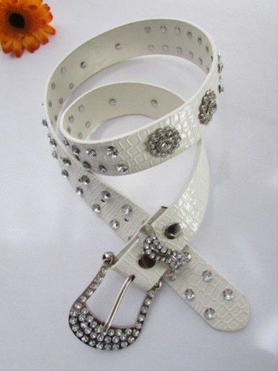 Preload https://item1.tradesy.com/images/women-faux-leather-western-white-belt-flowers-silver-beads-buckle-36-41-4289575-0-0.jpg?width=440&height=440
