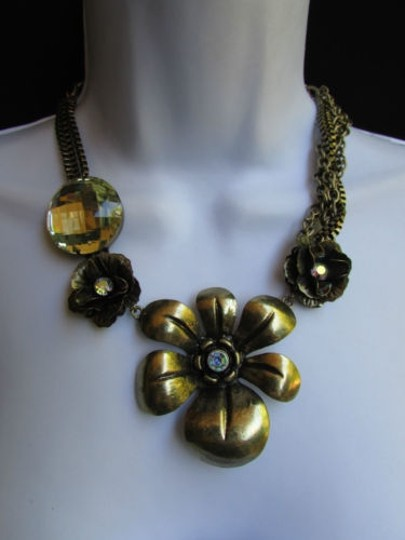 Other Women Antique Gold Fashion Necklace Big Flowers Pendant Rhinestones 11