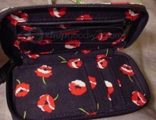 Vera Bradley Wristlet in Poppy fields