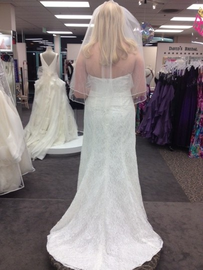 David's Bridal Ivory Lace Sweetheart Strapless Gown Style Wg3263 Feminine Wedding Dress Size 10 (M)