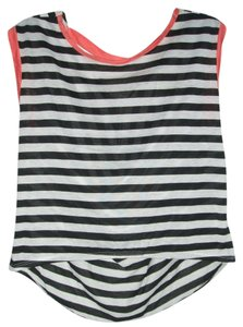 Small/Indie Top Black/White