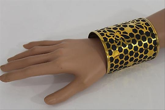 Alwaystyle4you Women Gold Metal Hand Cuff Bracelet Honey Bees Hives Black Image 2