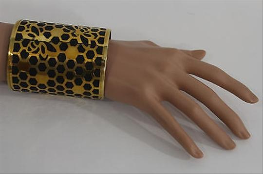 Alwaystyle4you Women Gold Metal Hand Cuff Bracelet Honey Bees Hives Black Image 4