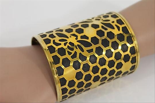 Alwaystyle4you Women Gold Metal Hand Cuff Bracelet Honey Bees Hives Black Image 6
