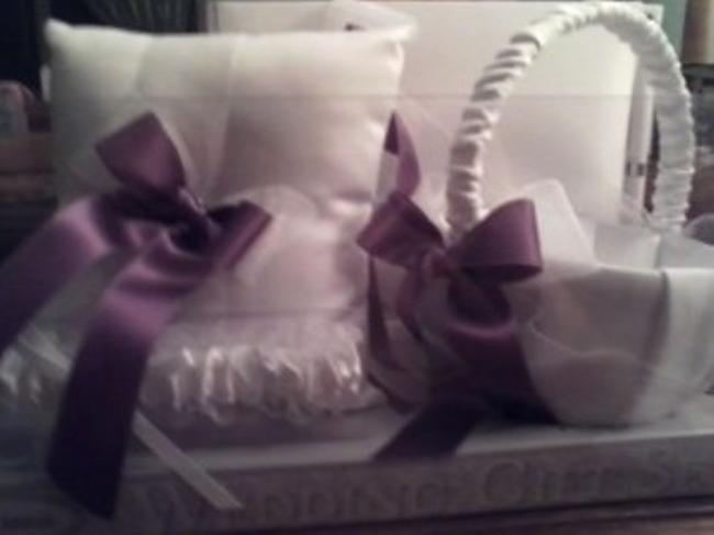 Item - Purple and White Set(Guest Book Pillow Garter Bask
