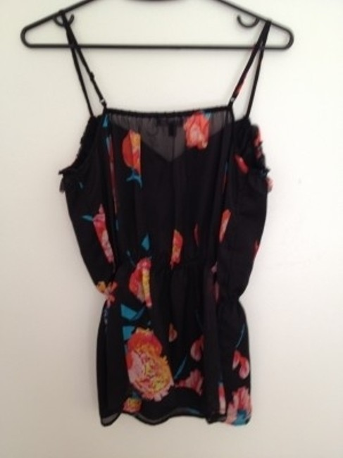 Gap Top Black with flowers