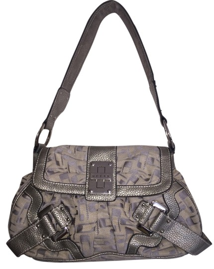 Preload https://item3.tradesy.com/images/guess-purse-silvery-taupe-canvas-and-leather-hobo-bag-4364242-0-0.jpg?width=440&height=440
