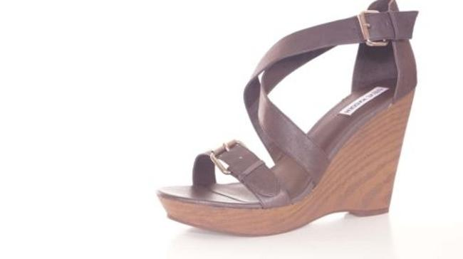 Steve Madden Myrna Womens Brown Leather Platform Wedges Sandals Shoes Steve Madden Myrna Womens Brown Leather Platform Wedges Sandals Shoes Image 1