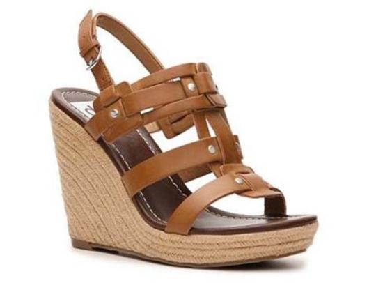 Preload https://item1.tradesy.com/images/dv-dolce-vita-tasco-womens-faux-leather-platform-sandals-wedges-shoes-brown-4372285-0-0.jpg?width=440&height=440