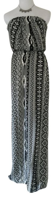 Preload https://img-static.tradesy.com/item/4378375/tribal-print-strapless-long-casual-maxi-dress-size-8-m-0-0-650-650.jpg