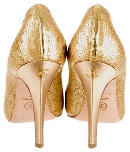 Chanel Limited Edition Sequin Gold Pumps