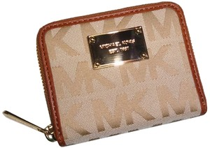 Michael Kors Michael Kors Jet Set BiFold Wallet in Beige / Camel / Luggage