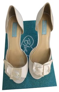 Betsey Johnson Eggshell Pumps