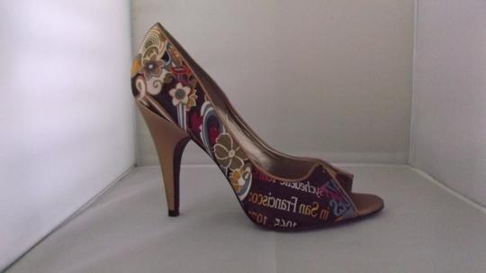Carlos by Carlos Santana Pumps