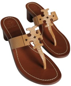 f450bdd47cd1 Tory Burch Sandals - Up to 90% off at Tradesy