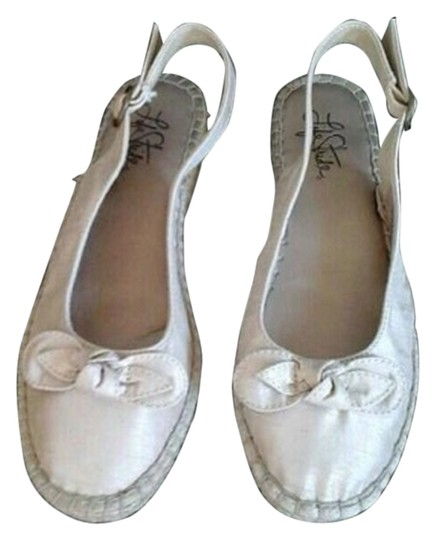 LifeStride Taupe Flats
