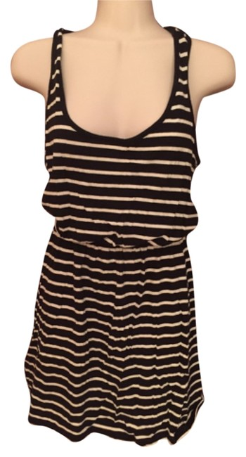 Preload https://item4.tradesy.com/images/forever-21-mid-length-short-casual-dress-size-4-s-4385923-0-0.jpg?width=400&height=650