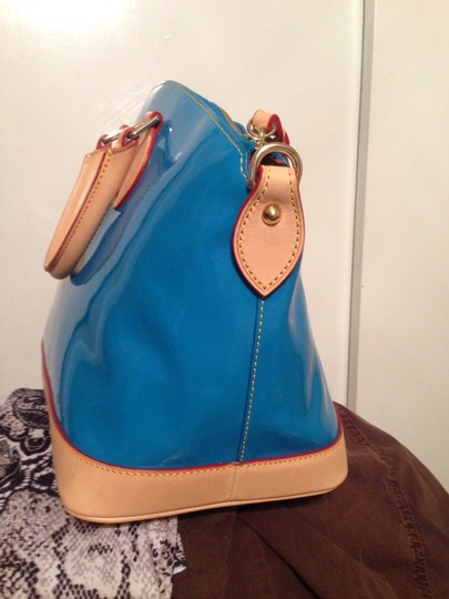 Dooney & Bourke Satchel in Vibrant blue Free Cell Phone / Cosmetic Bag An Key Chain