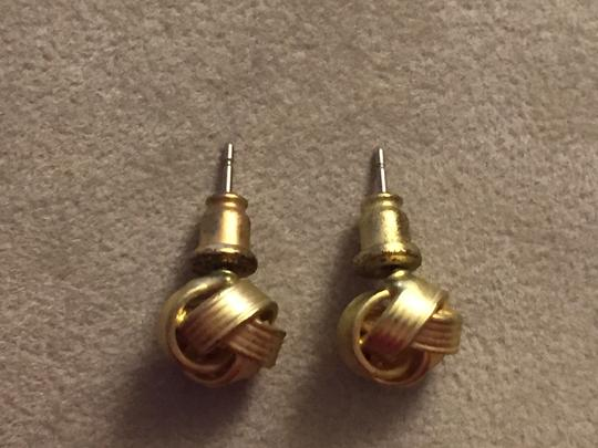 Claire's Gold knot earrings