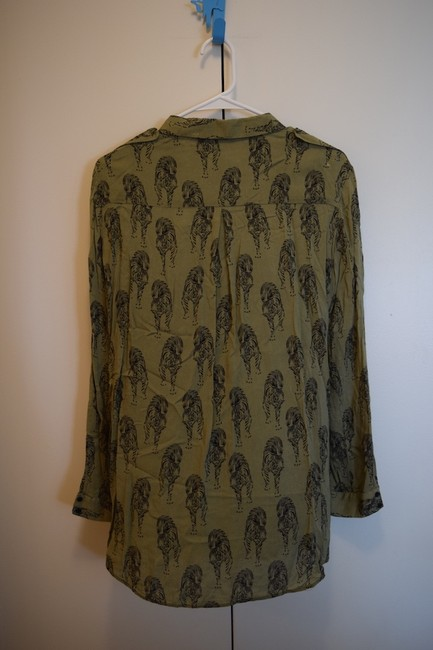 Trafaluc Tiger Pattern Army Collared Long Sleeve Breast Pockets Button Down Shirt Green